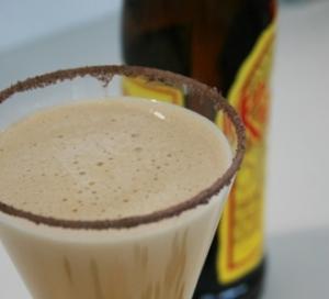 Smotanový nápoj Kahlúa