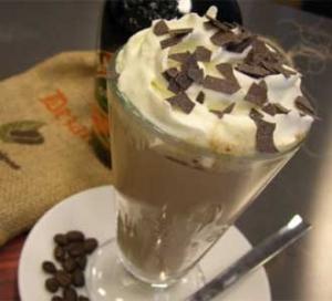 Smotanová ľadová káva